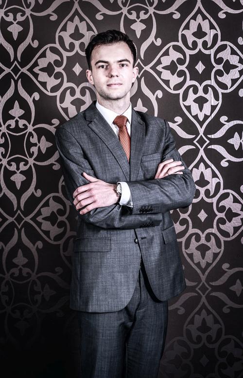 Męzczyzna zatreudniony w Kancelarii adwokackiej w Białymstoku